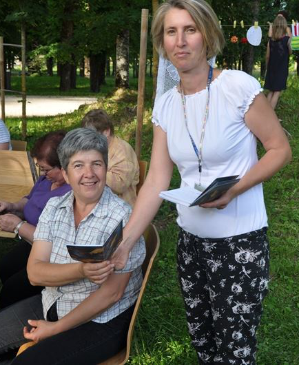 Janja z udeleženko krožka